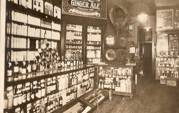 Original Interior of House of Glunz Store – Early 1900's